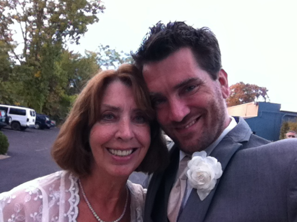 My mom and I take a selfie on my Wedding Day